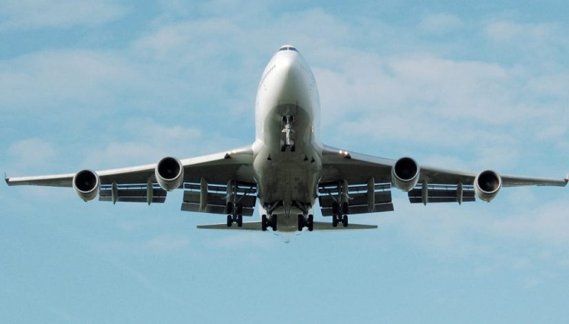 airplane-749535_1920